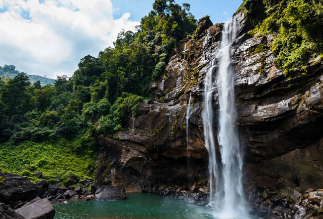 Top five major waterfalls in Sri Lanka